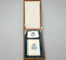 Ivory dance card and purse, crown of a count