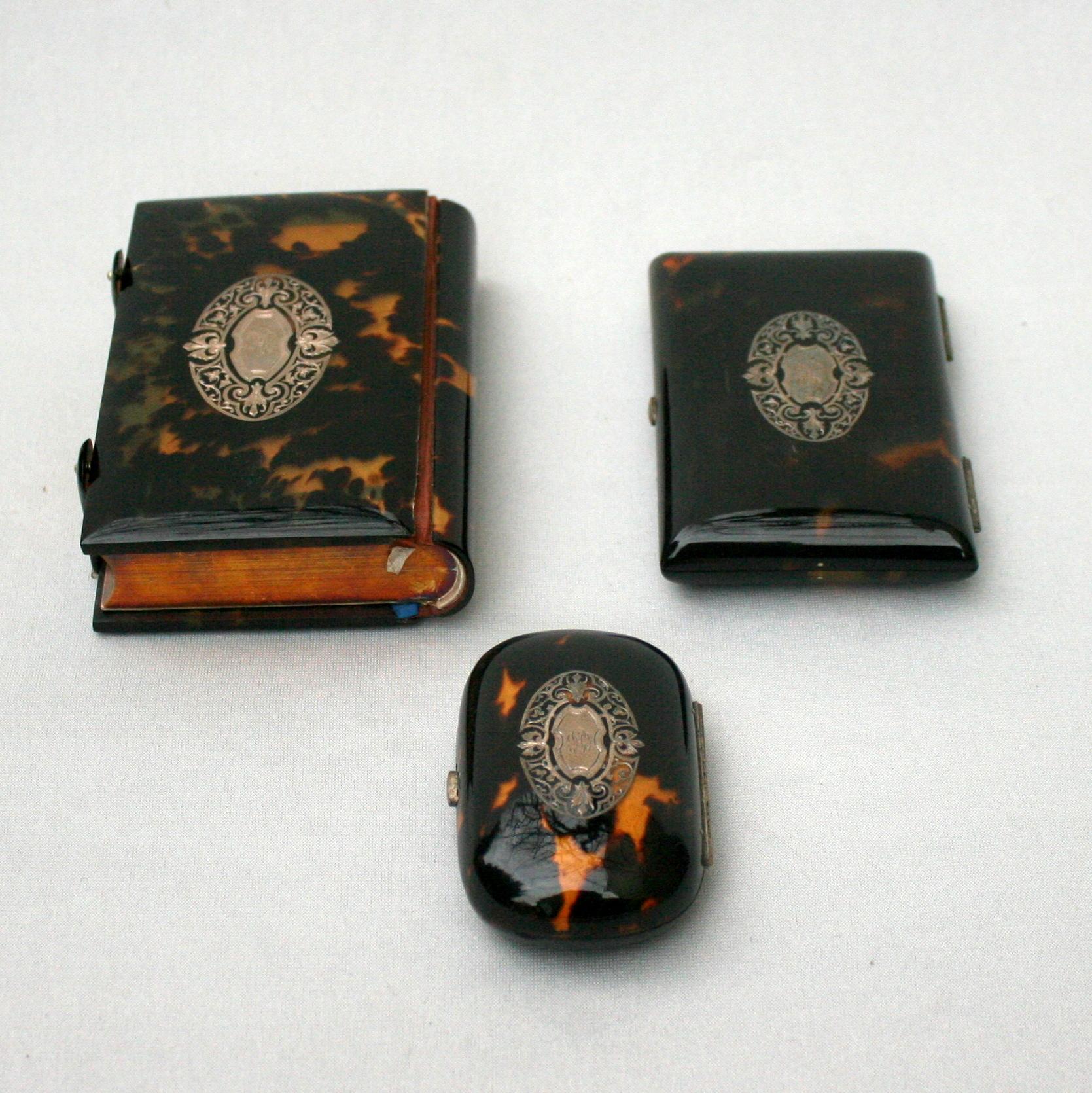 n cessaire de communiante caille de tortue 1872 weber antiquit s objets de vitrine. Black Bedroom Furniture Sets. Home Design Ideas