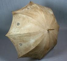 Ombrelle toile de lin brodée, vers 1900