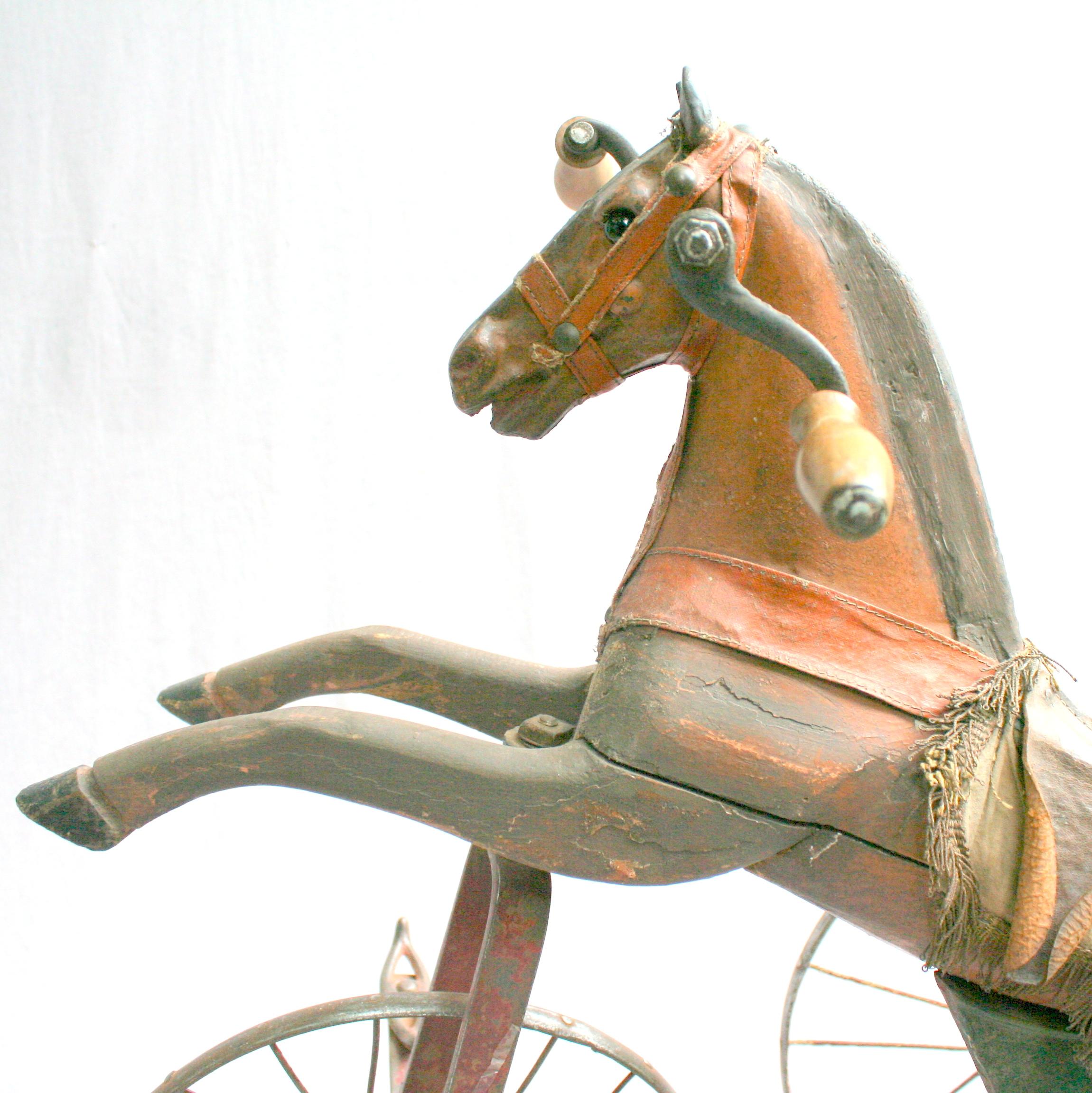 cheval tricycle en bois et fonte xixe si cle. Black Bedroom Furniture Sets. Home Design Ideas