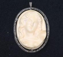 Broche pendentif ivoire (1)