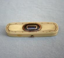Boite ivoire XVIIIe siècle (1)