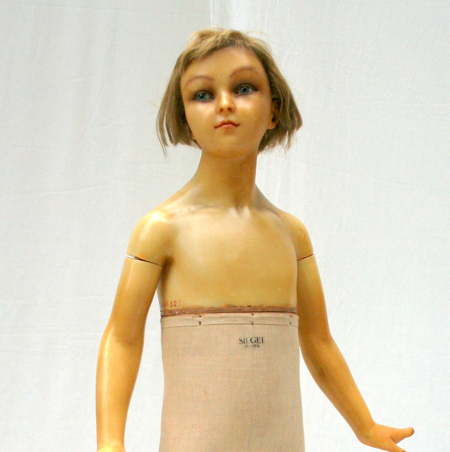 mannequin de cire siegel enfant vers 1920. Black Bedroom Furniture Sets. Home Design Ideas