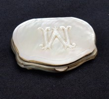 Porte-monnaie nacre M (1)