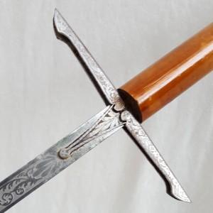 Epée à garde Tolède A Adam Paris (1)