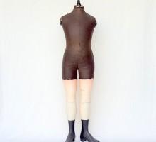 Mannequin XIXe bottes bois (1)