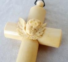 croix de berceau ivoire (1)