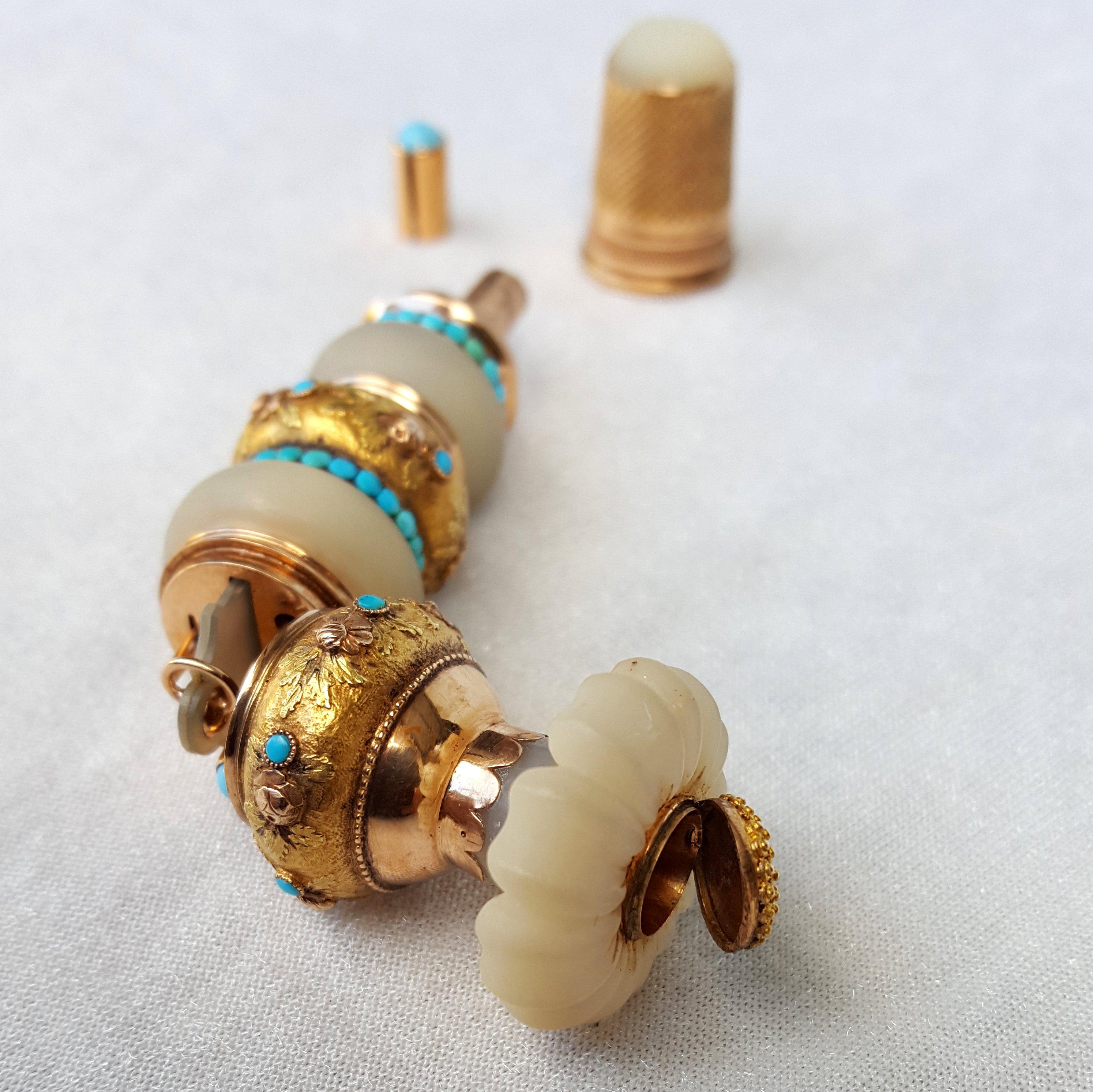 N cessaire de couture cousette or nacre turquoises for Necessaire a couture en or