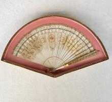 Eventail carnet de bal encadré 1820 (1)