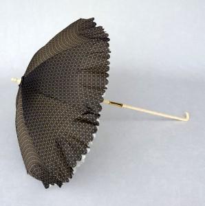 Ombrelle Marquise ivoire soie noire (1)
