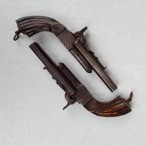 Paire de pistolets 1880 (1)