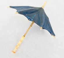 Ombrelle de poupée os toile fusée (1)